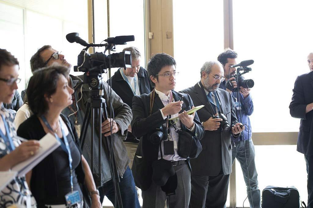 10-01-2013journalists
